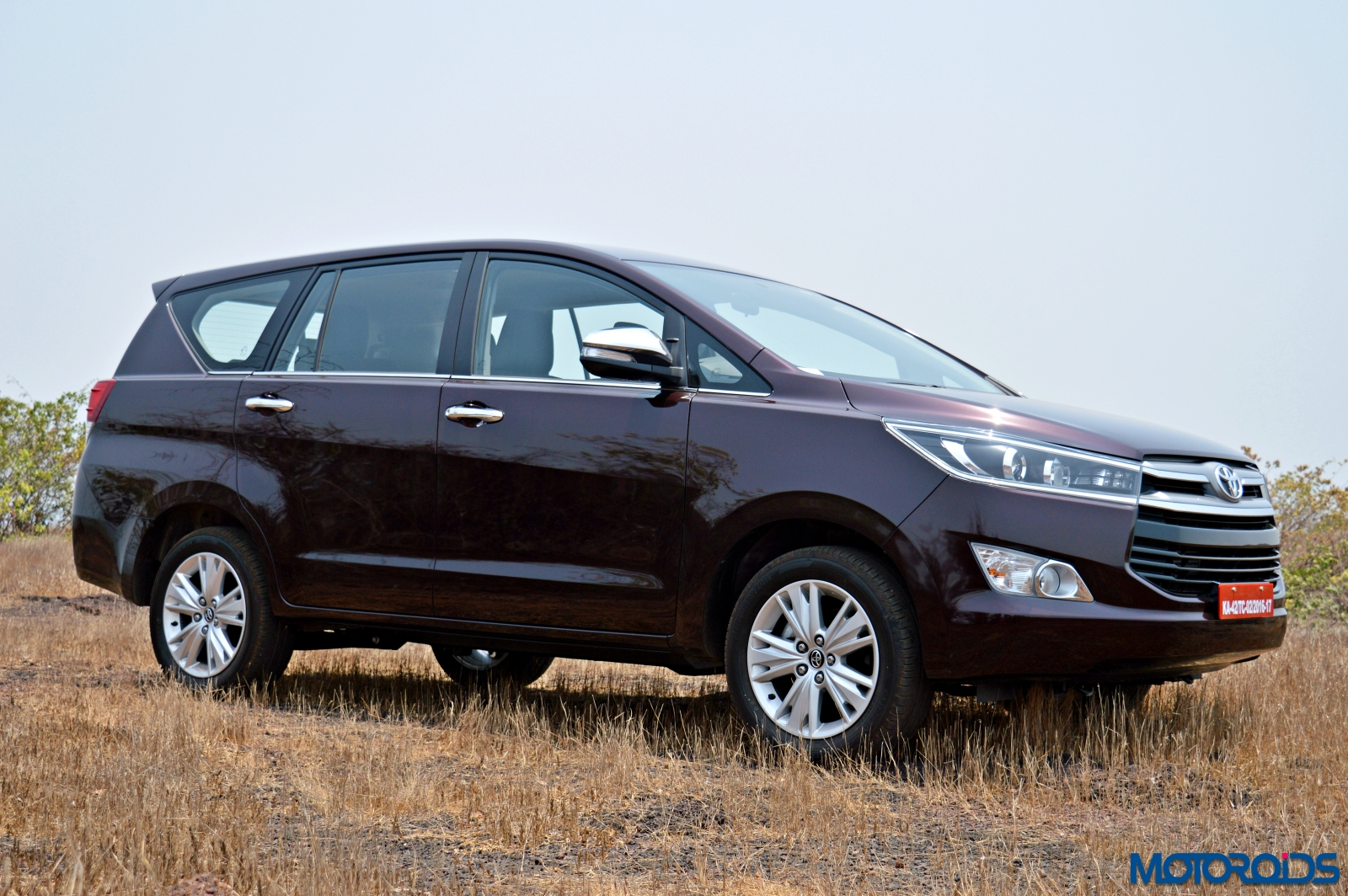 Official Release New 2016 Toyota Innova Crysta Drives