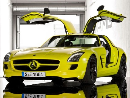 Mercedes-Benz-SLS-AMG-E-Cell-1