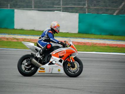 Ten10_Racing_Emmanuel_motoroids