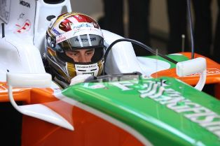 force-india-sutil-in-car