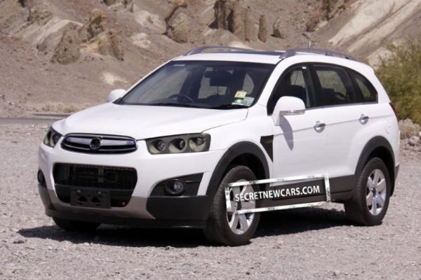 2011-Chevrolet-Captiva-facelift-front-three-quarter-left