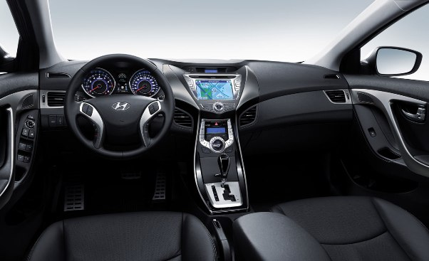 2011-Hyundai-Elantra-interiors_small