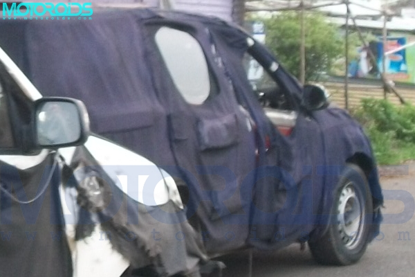 Mahindra-Xylo-5-seater-mini-suv-2011-4