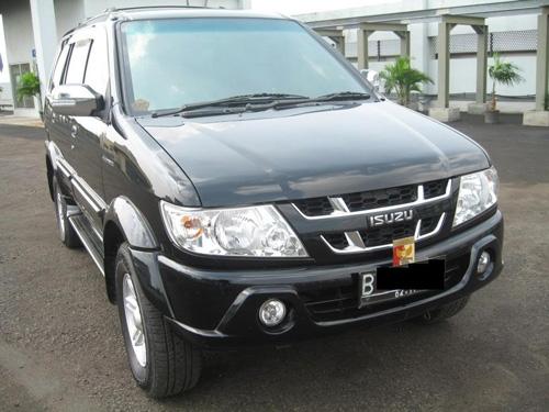 2010_Chevrolet_Tavera_motoroids