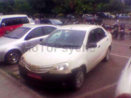 Toyota-Etios-sedan_motoroids