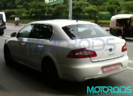 The Skoda Superb with a 1.6-litre TDI Common Rail Diesel engine has been caught on test in India by Motoroids. More details on Motoroids.com