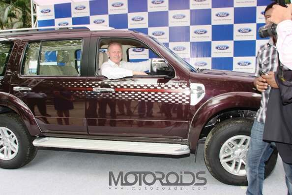 Michael-Boneham-President-MD-Ford-India-with-Endeavour-4x2-AT