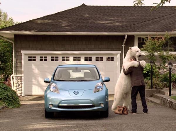 Nissan-Leaf-Polar-Bear-Hug
