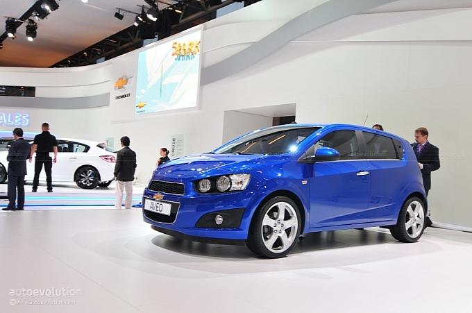 2011-Chevrolet-Aveo-1