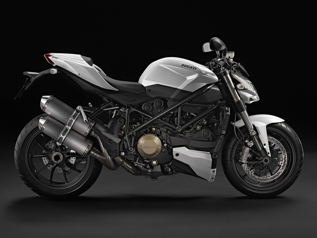 2011-Ducati-Street-Fighter-S-White