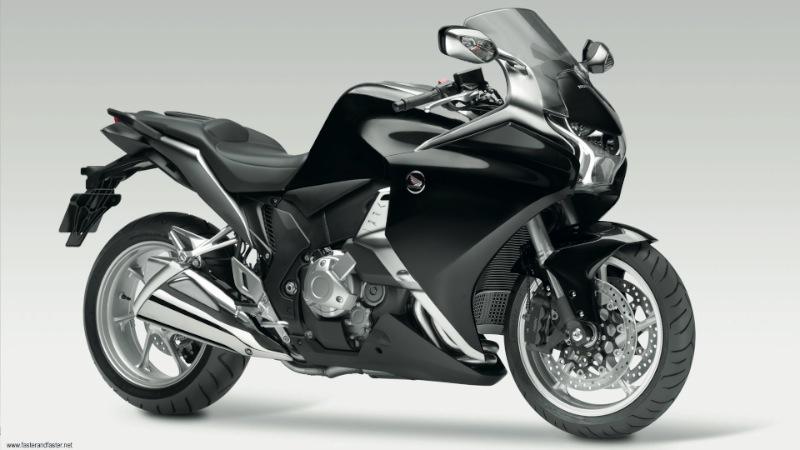 2011-HONDA-VFR1200F-BLACK