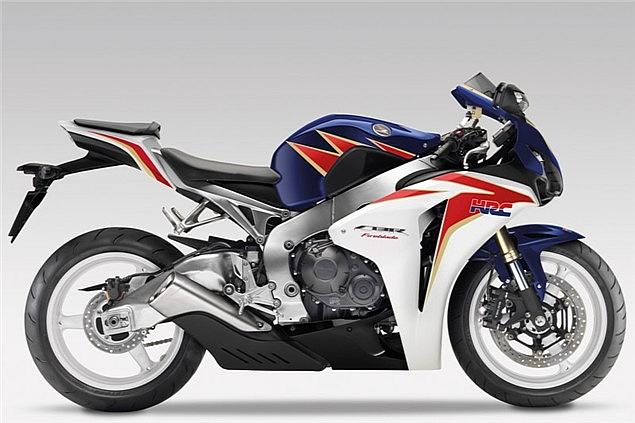 2011-Honda-Fireblade-1