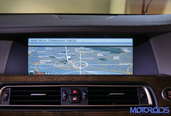 BMW-i-Drive-Satellite-Navigation