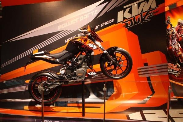 KTM-125-DUKE-1