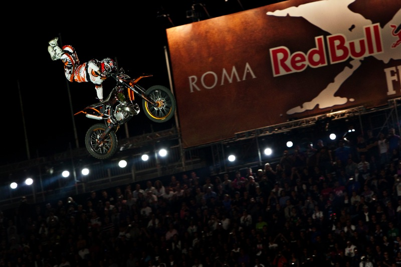 Red-Bull-X-Fighters-Finale-3