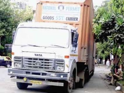 Tata-Aria-Truck-Crash-before-launch