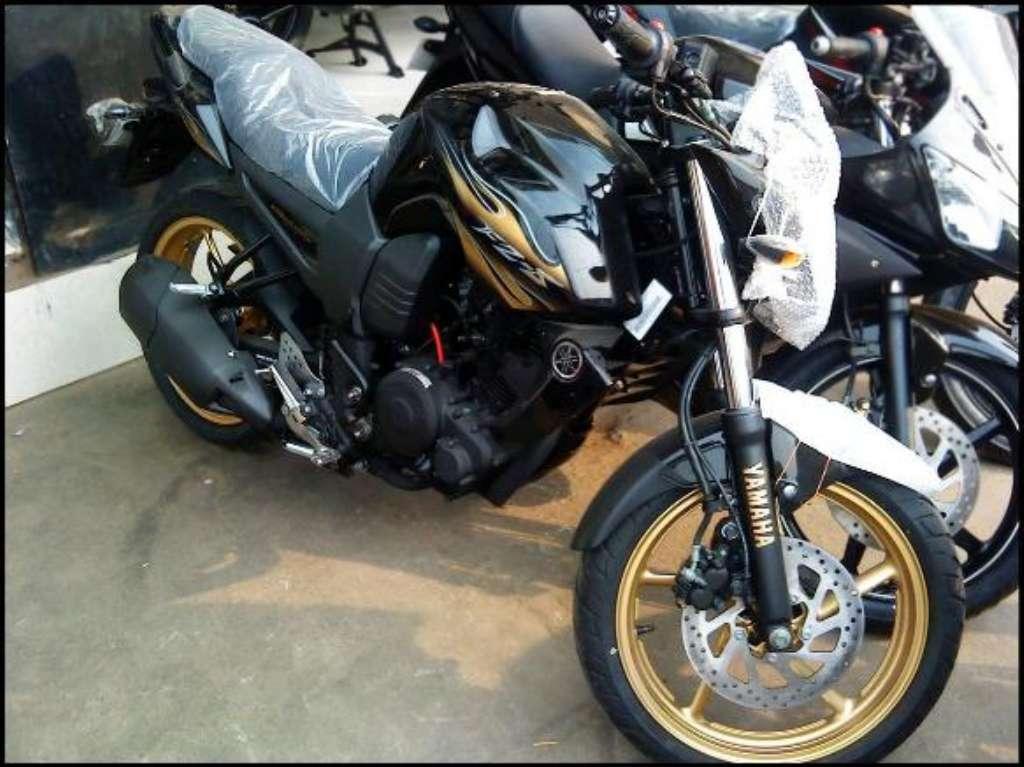 Yamaha-FZ-S-SE-1