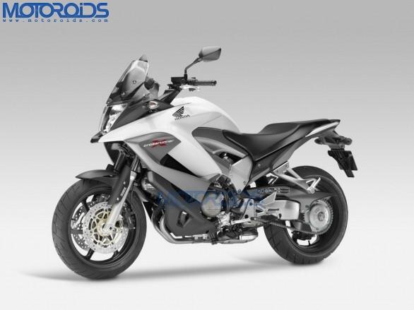 2011-Honda-Crossrunner-11