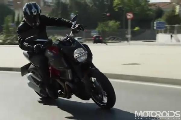 Ducati-Diavel-Video-Opener