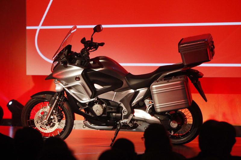 Honda-Crosstourer-1