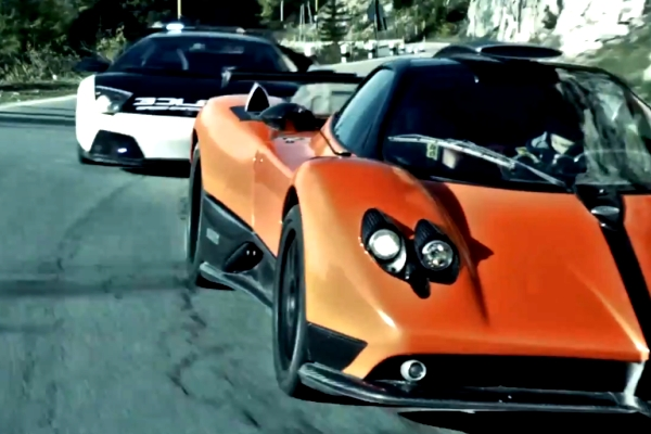 Pagani-vs-Lamborghini-NFS-Hot-Pursuit