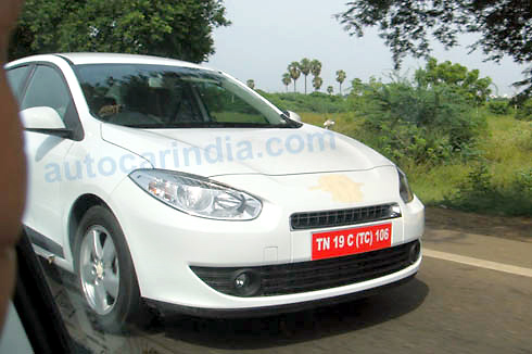 Renault-Fluence-test-mule