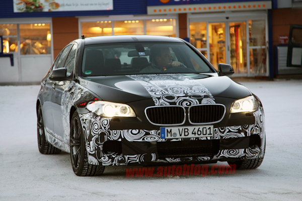 01-2012-bmw-m5-winter