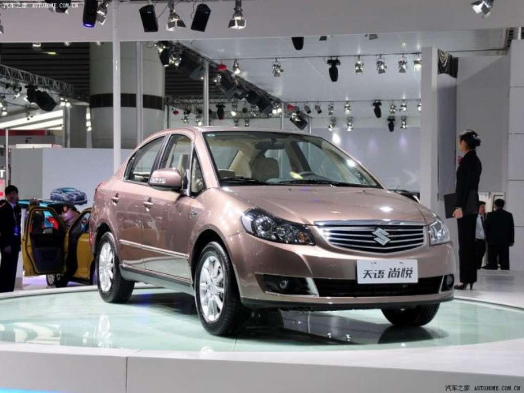 2011-Suzuki-SX4-front