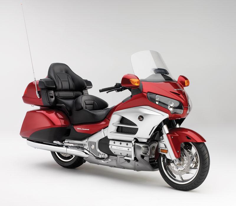2012-Honda-Goldwing-side