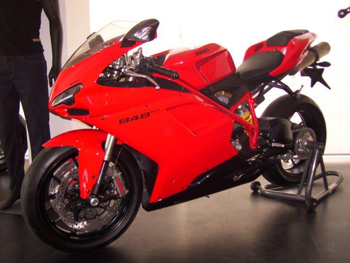 Ducati-848-Evo-1
