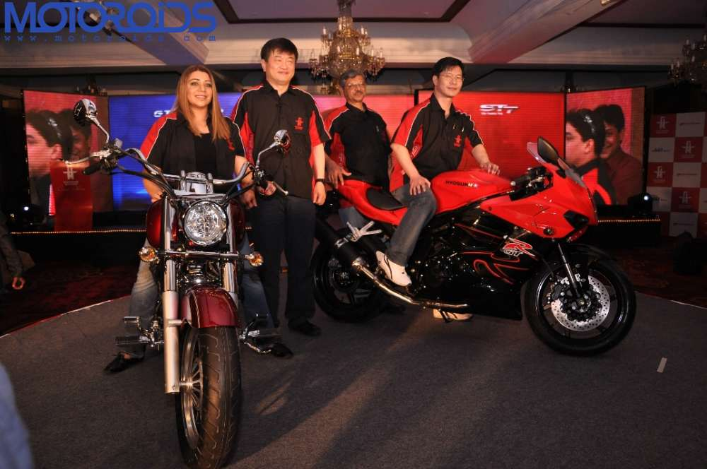 Garware-Motors-and-ST-Motors-launch-the-ST-7-and-GT650R-in-India-1
