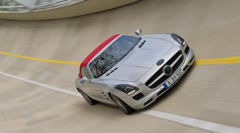 Mercedes-SLS-AMG-Roadster-6