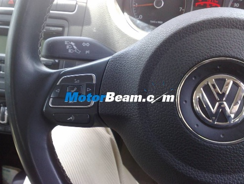 VW-Polo-steering-controls