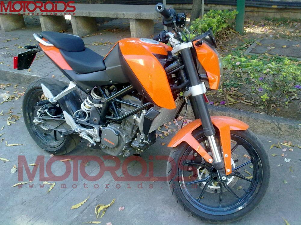 ktm-bajaj-200