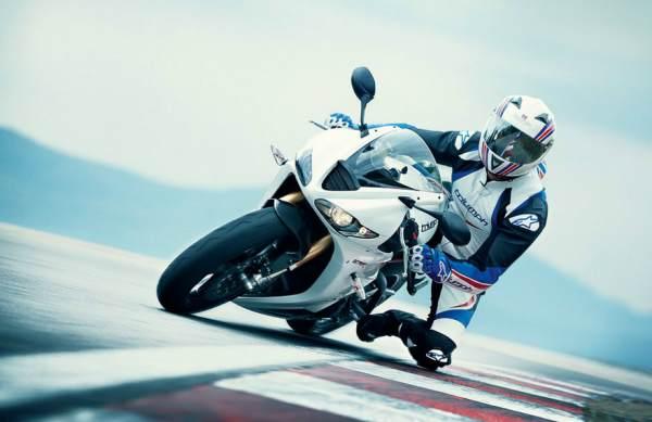 2011-Triumph-Daytona-675R