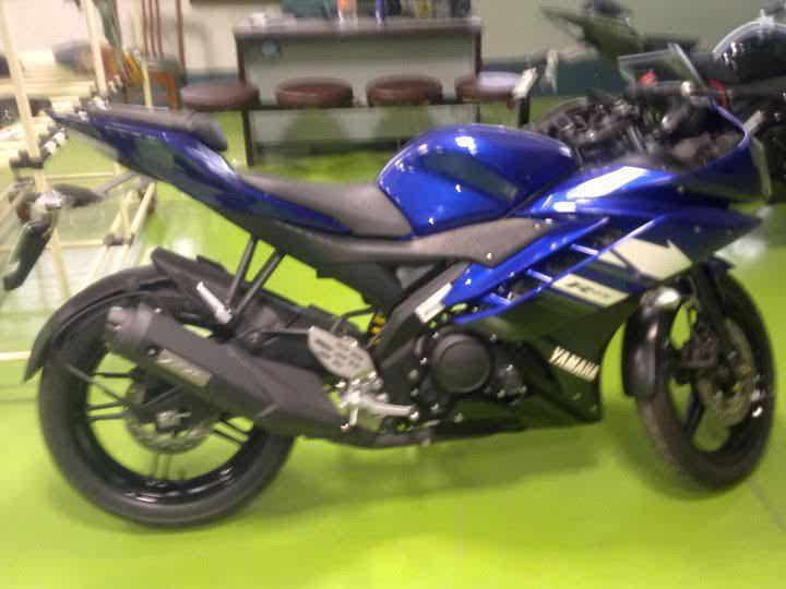 2011-yamaha-R15