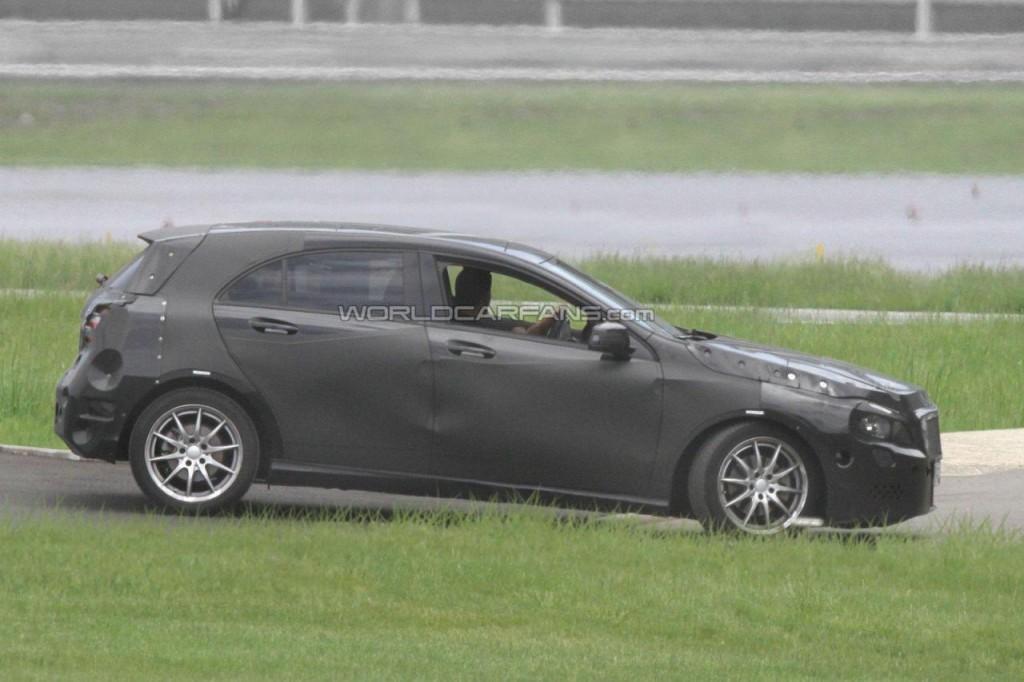 2012_Mercedes_Benz_A_Class-3-1024x682