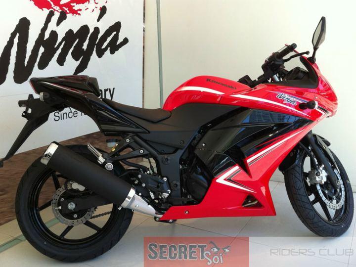 2012-Ninja-250R-1