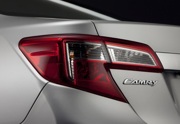 Toyota-Camry-teaser