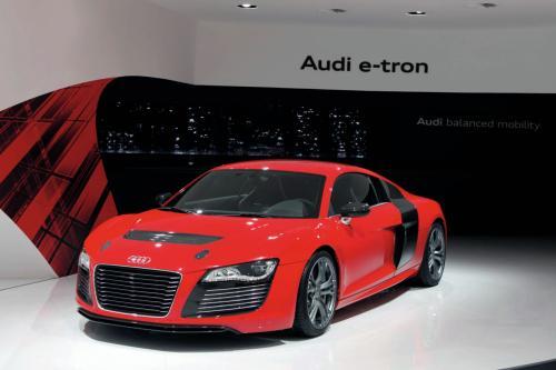 Audi_R8_e_Tron