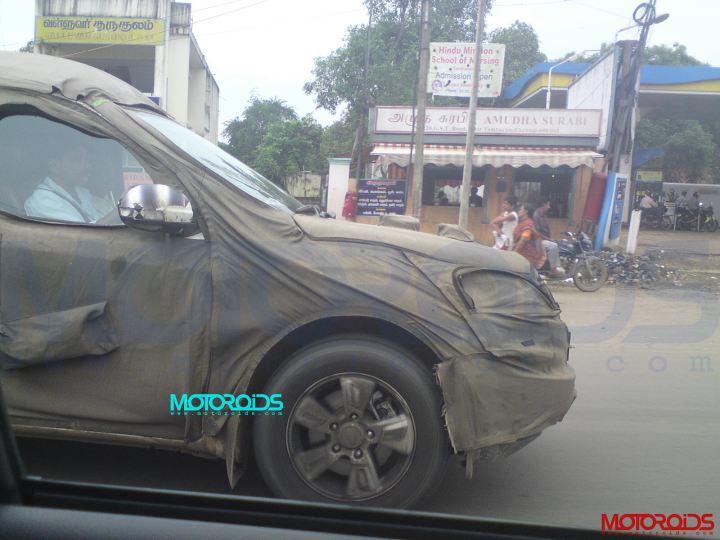 Mahindra-XUV500-spy-3