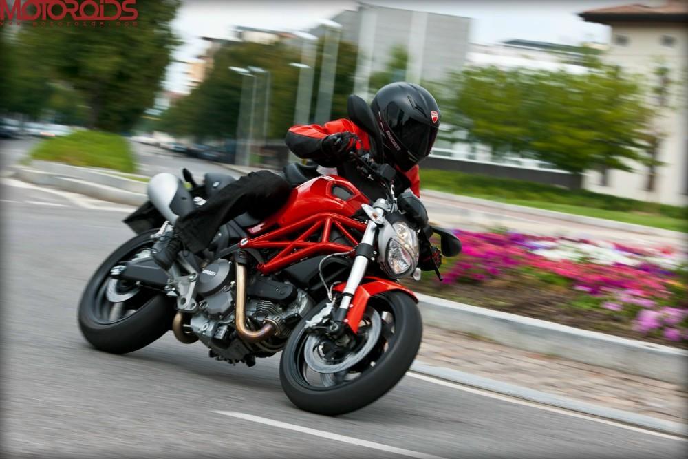 Ducati-Monster-795-4