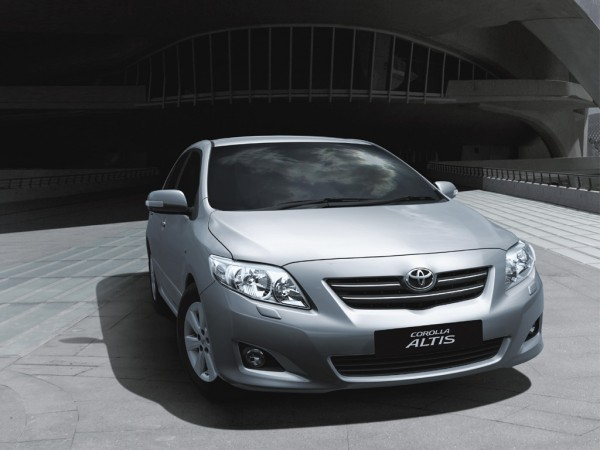 corolla-altis-front-600x450-1