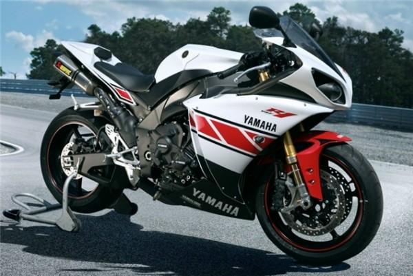 2012-Yamaha-r1