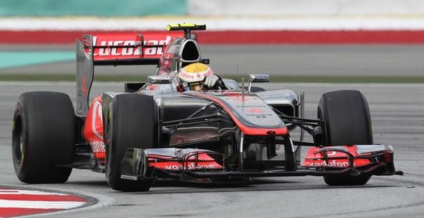 Lewis-Hamilton-Friday-Practice-2012-Malaysian