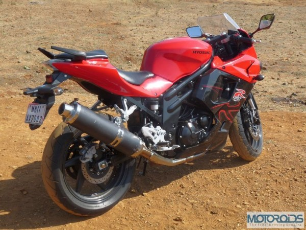 Quick Review: Hyosung GT650R | Motoroids