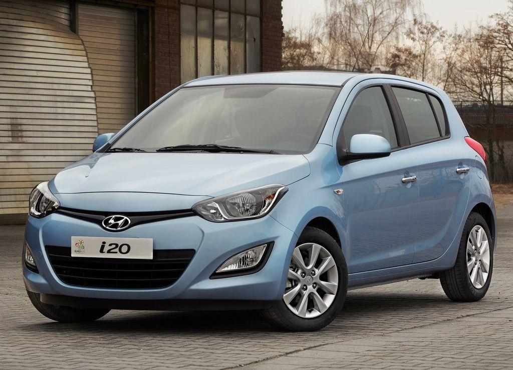 2012-Hyundai-i20-Fluidic
