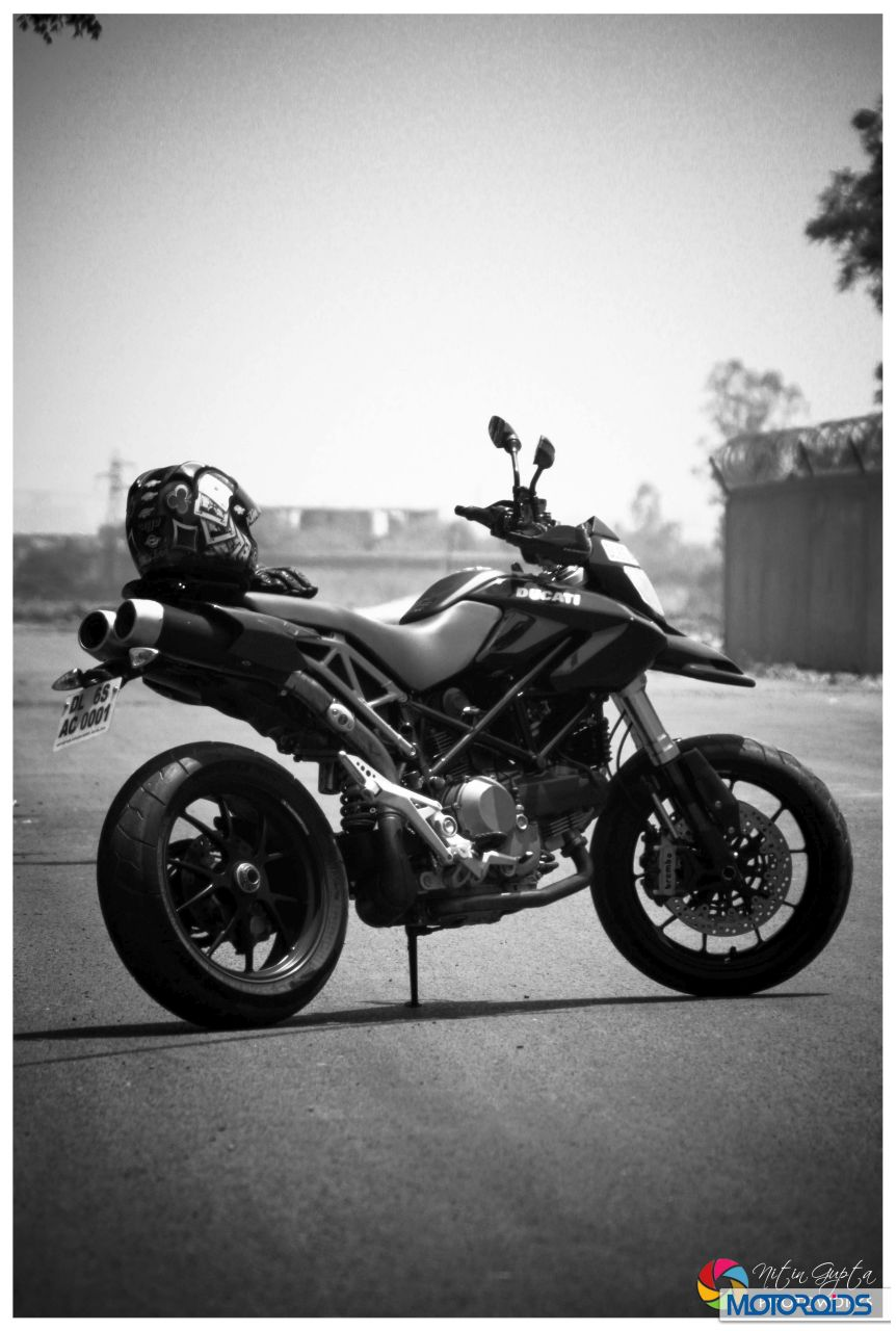 Ducati-Hypermotard-1100S-19