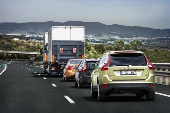 SARTRE tests self driving cars