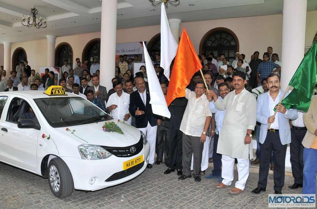 1st-Mega-Cab-was-flagged-off-by-Sri-R-Ashok-Honble-Minister-for-Home-and-Transport-with-Kunal-Lalani-Chairman-Mega-Cabs